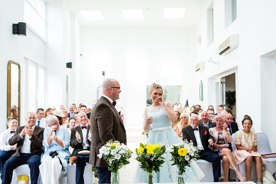 Summer wedding at Fazeley Studios in Birmingham by John Charlton Photography (18)
